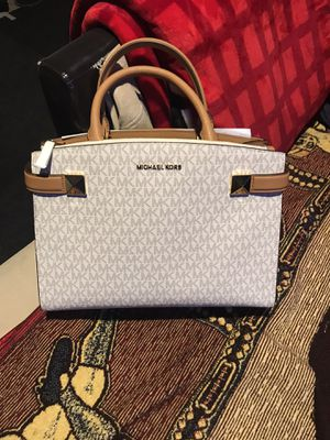 Michael Kors Purse for Sale in Gilroy, CA