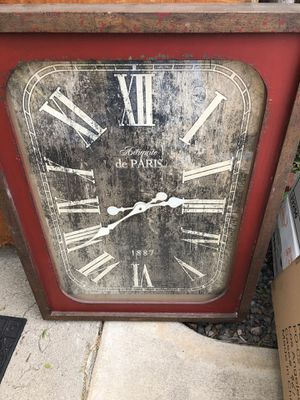 Antique Style Wall Clock for Sale in Santa Fe Springs, CA