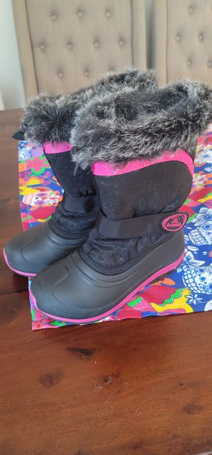 Kids snow boots size 2 for Sale in Spring Valley, CA