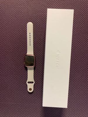 Apple Watch series 4 44mm for Sale in Denver, CO