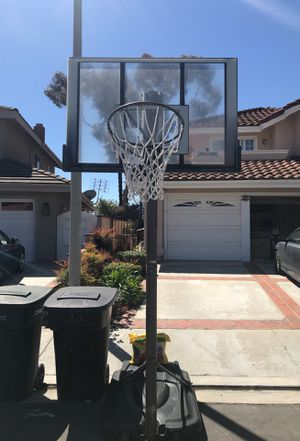 Spalding Basketball Hoop $50 for Sale in Dana Point, CA