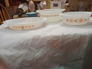 3 Pyrex town and country casserole dishes for Sale in Gresham, OR