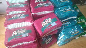 47 bolsas de pañales de adultos paquetes de 16 y22 pañales small for Sale in Corona, CA