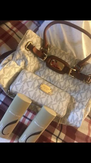 Authentic MK bag & wallet for Sale in Odenton, MD