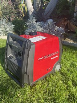 Honda EU3000i Handi Compact Portable Inverter Generator for Sale in La Habra,  CA