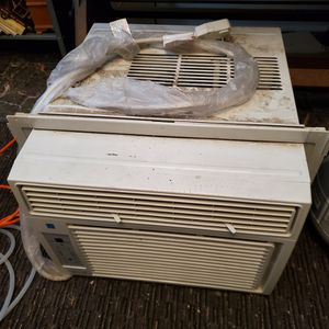 Comfort-Aire AC window type air conditioner for Sale in Aurora, CO