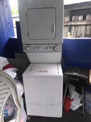 Stackable washer and dryer for sell for Sale in Kissimmee, FL