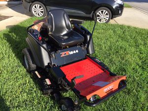 Gravely zero turn lawnmower tractor for Sale in Davenport, FL