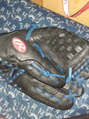 Baseball glove left hand brand new I used once and that was size medium I want 60 dollars for it or we can trade or negotiate for Sale in Moreno Valley, CA