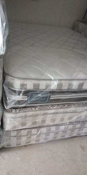 Queen size mattress for Sale in Phoenix, AZ