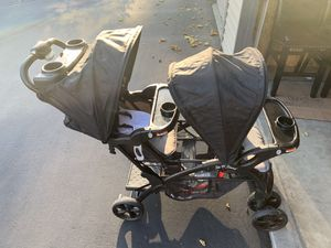 Baby trend double stroller with car seat and 2 bases for Sale in Issaquah, WA