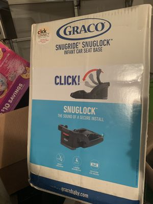 Car seat base for Sale in Stockbridge, GA
