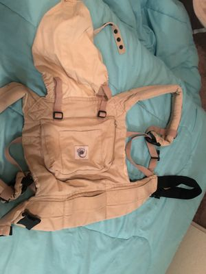 Baby carrier for Sale in Perris, CA