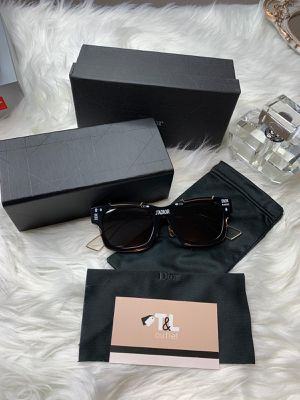 Women sunglasses for Sale in Chelsea, MA