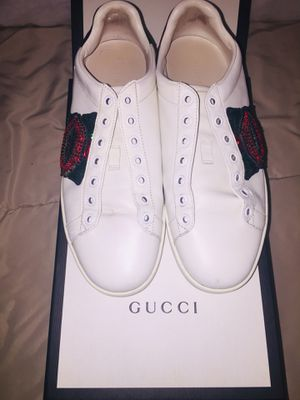 Gucci Crystal Mouth Sneakers for Sale in Parma, OH