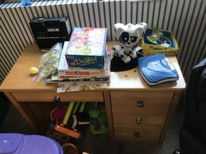 Kids desk and chair for Sale in Bolingbrook, IL