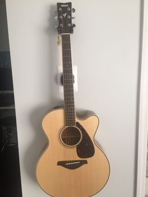 Yamaha FJX720SC Acoustic/Electric Guitar for Sale in Tamarac, FL