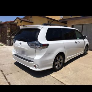 2014 Toyota Sienna for Sale in Rosemead, CA