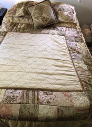 Queen Size Beadspread for Sale in Kent, WA