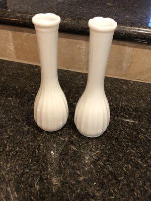 Set of 2 - Vtg White Milk Glass Bud Vases for Sale in Katy, TX