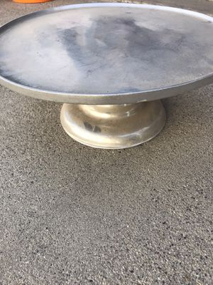 Big metal cake stand $15 firm for Sale in Dinuba, CA