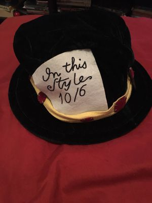Alice in wonderland mad hatter hat for Sale in Buckeye, AZ