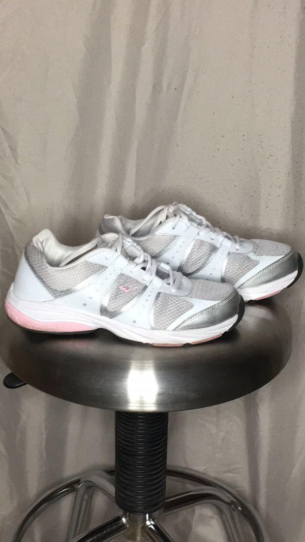 Everlast women's running tennis shoes!