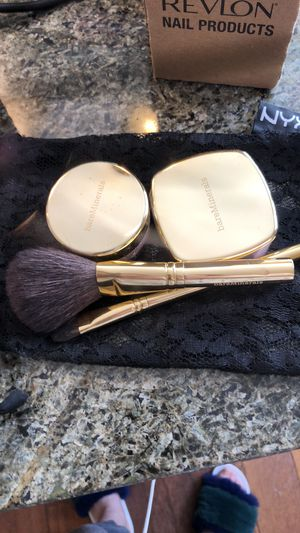 Bare Essentials Bare Minerals Gold Makeup & Brush Set for Sale in Los Angeles, CA