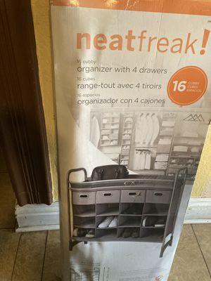 Organizer whit 4 drawers for Sale in Las Vegas, NV
