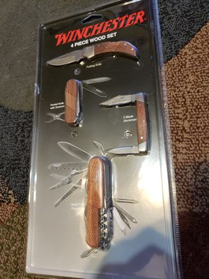 Winchester 4 Piece Wood Set for Sale in Chandler, AZ