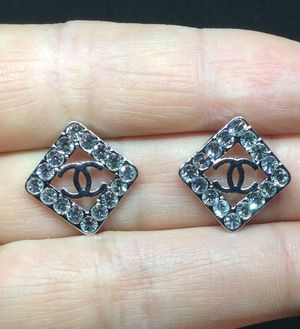 Silver Plated & Crystals Stud Earrings for Sale in Los Angeles, CA
