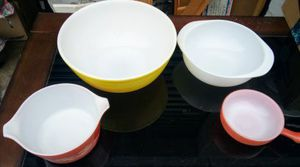 Vintage Pyrex bundle for Sale in Medford, OR