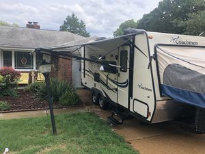 Coachman Freedom Express 2016 for Sale in Imperial, MO