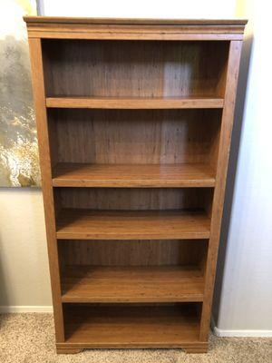 6 foot maple bookshelf with 7 adjustable shelves for Sale in Gilbert, AZ