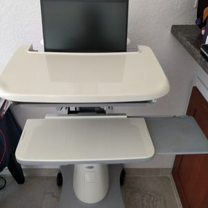 Ergotron StyleView Notebook Cart for Sale in Newport Beach, CA