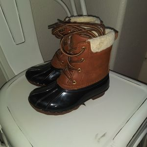 little girl duck snow boots for Sale in Reedley, CA