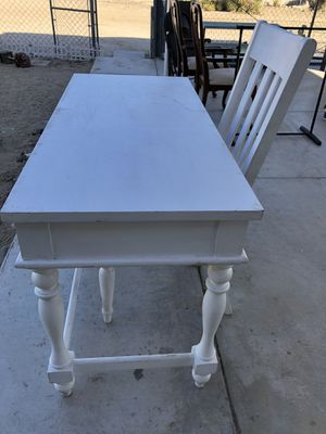 Desk with chair for Sale in Phelan, CA