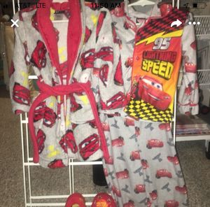 Kids clothes size 3T pajama set for Sale in Gray Summit, MO