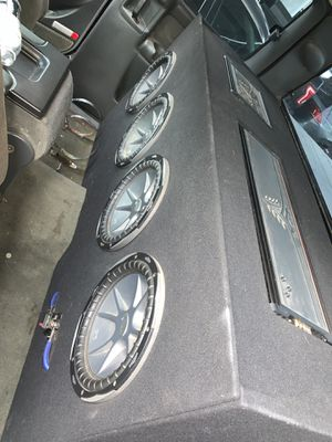 LOUD! 4 Kicker Subs with 2 Kicker amps for Sale in Fort Sill, OK