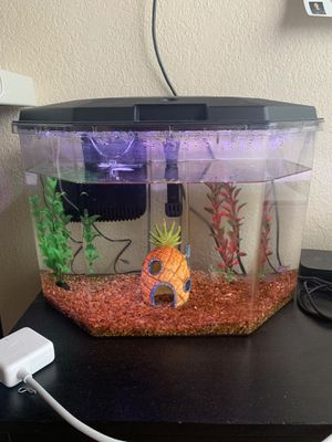 Fish tank with accessories for Sale in Chula Vista, CA