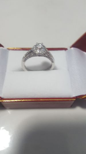 ONLY $675!! WAS $2,500!! BRAND NEW 1.0 CARAT VS1 CLARITY DIAMOND ENGAGEMENT RING WITH CERTIFIED APPRAISAL (SEE PIC # 2 FOR SPECS) 14KT for Sale in Providence, RI