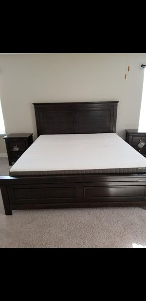 King bedroom suite from Ashley's furniture for Sale in Land O Lakes, FL