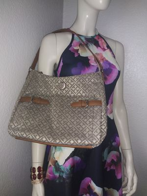 Tommy Hilfiger . women purse . for Sale in Tacoma, WA