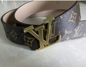 Louis Vuitton belt brown for Sale in Beverly Hills, CA