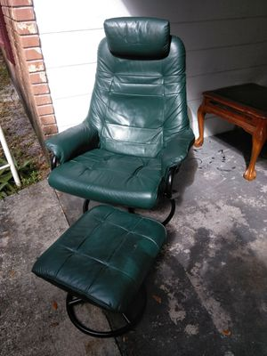Very comfortable green reclining rocking adjustable CHAIR with ottoman fcfs no delivery for Sale in Lakeland, FL