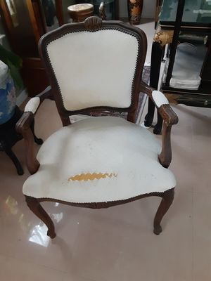 Antique arm chair for Sale in Sewell, NJ