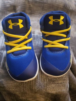 UNDER ARMOUR CURRY 3 SIZE 3K warriors color if interested $50 for Sale in Fresno, CA