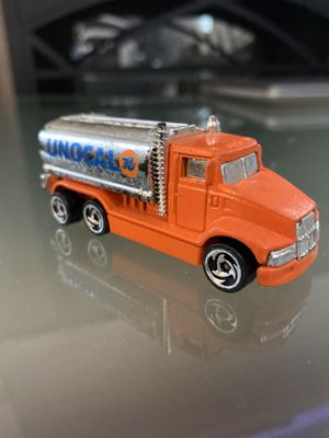 1991 Hot Wheels Unocal 76 Tank Truck Spoke Wheels 1:64 (signs Of Wear, See Pics) for Sale in Fayetteville, NC