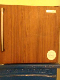 Mini Refrigerator Kenmore for Sale in Altamonte Springs,  FL