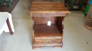 Table/nightstand for Sale in Lynchburg, VA